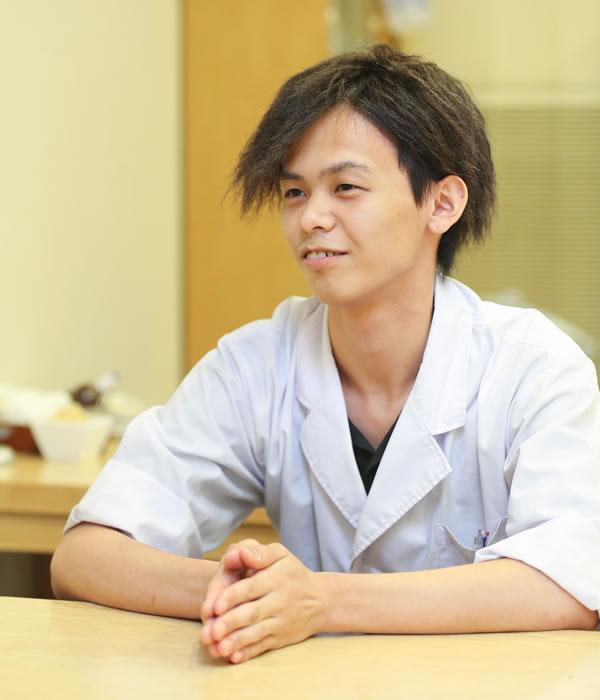 はなれ店 / 正社員 / 勤務歴1年